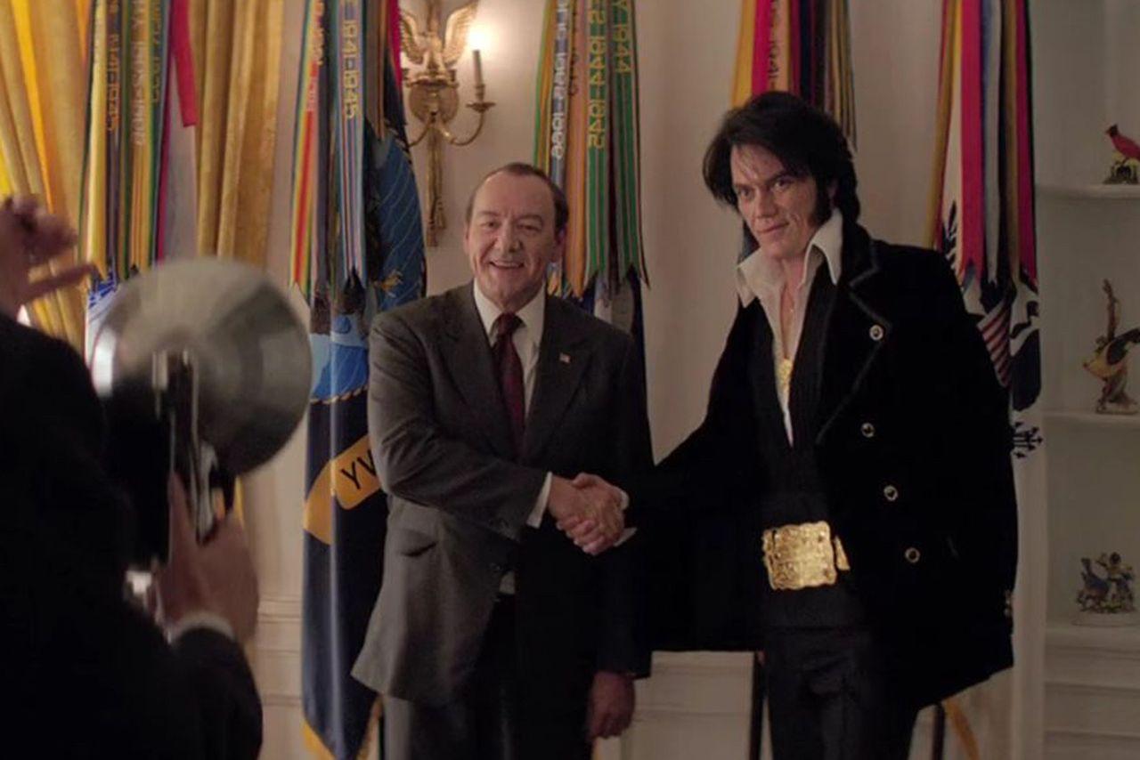 Elvis & Nixon เป็นแฟนฟิคผู้สร้างภาพยนตร์ที่สนุกสนานและเป็นกันเอง