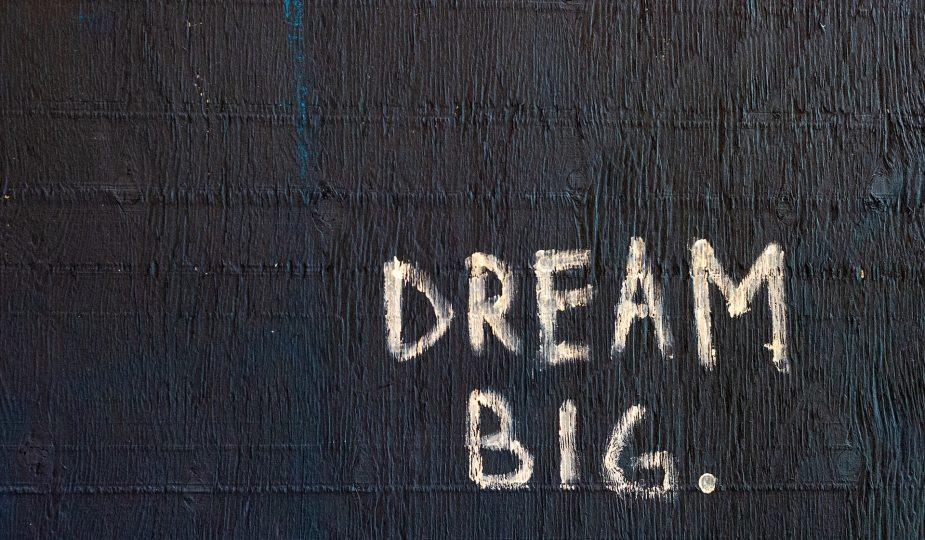 ถ้ามันไม่ยากคุณจะไม่ฝันที่ยิ่งใหญ่พอ